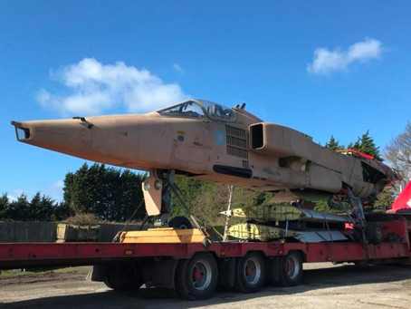 Jaguar GR1 XX747 and Jet Provost T5 XW299 arrive at Jet Art