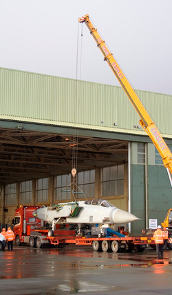 Tornado ADV crane lift