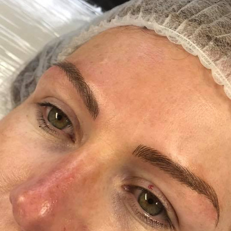 MicroBlading Alison Petitjean Darlington, Semi Permanent Eyebrows, Sombre Brows (12).jpg