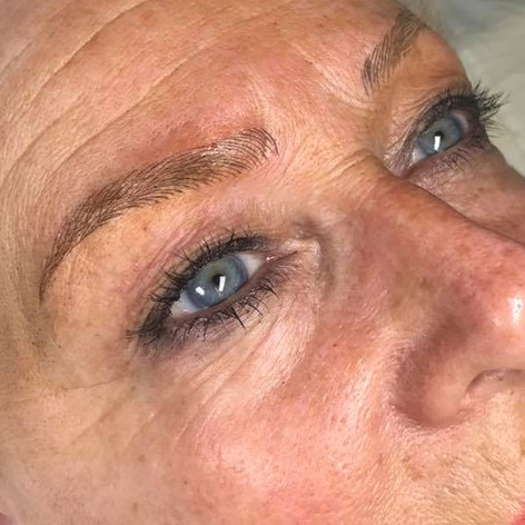 MicroBlading Alison Petitjean Darlington, Semi Permanent Eyebrows, Sombre Brows (17).jpg