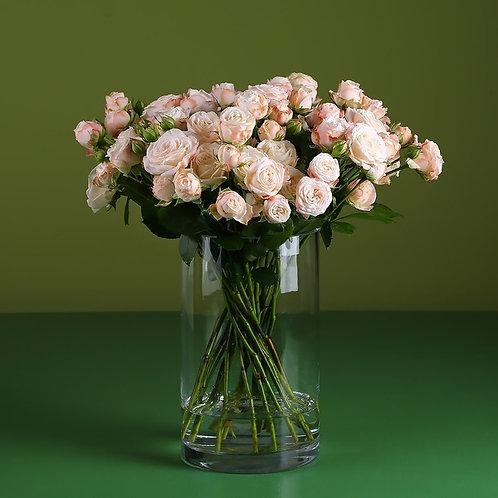 21 роза Бомбастик в вазе