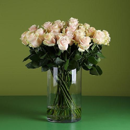 21 роза Пинк Мондиаль в вазе