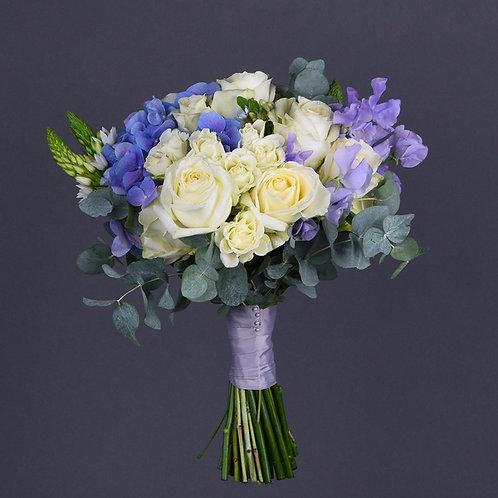 Свадебный букет с голубым Латирусом №15