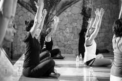 Le Palais Rhoul Dakhla | hotel spa | Yoga à la piscine