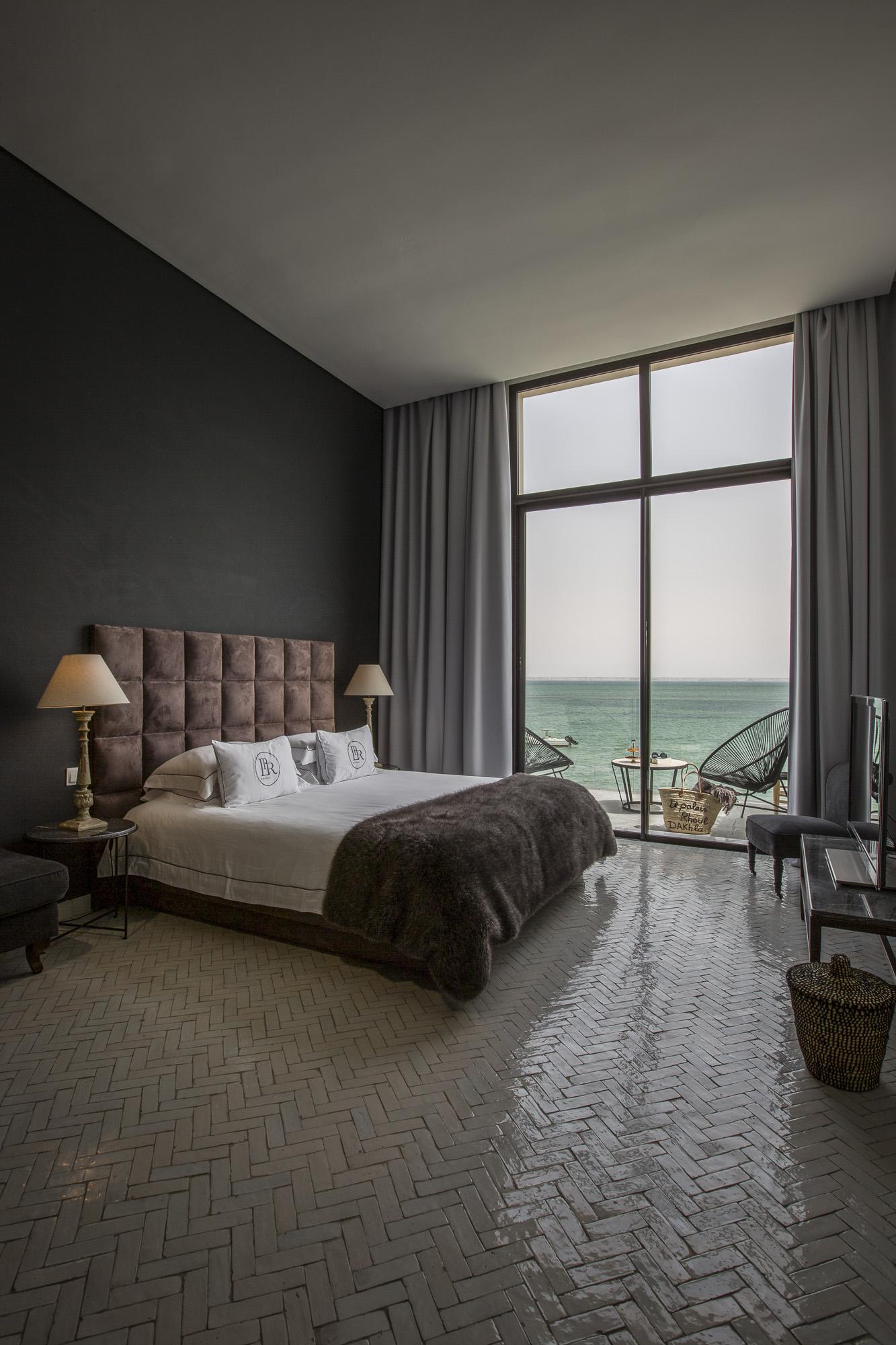 Le Palais Rhoul Dakhla | hotel spa | lit chambre vue mer et désert