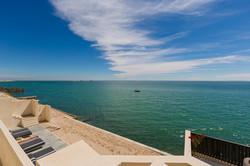 Le Palais Rhoul Dakhla | hotel spa | Transats face sur la mer