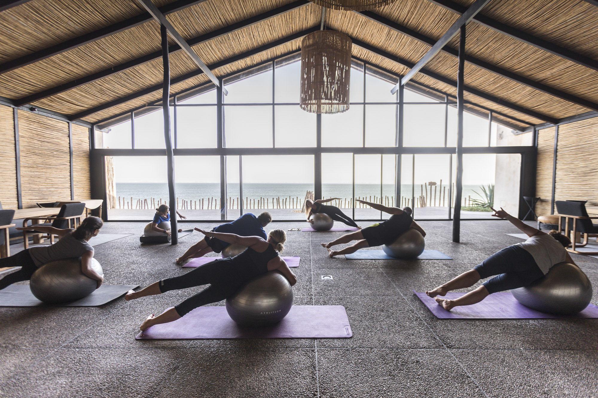 Le Palais Rhoul Dakhla | hotel spa | Yoga avec le swiss ball