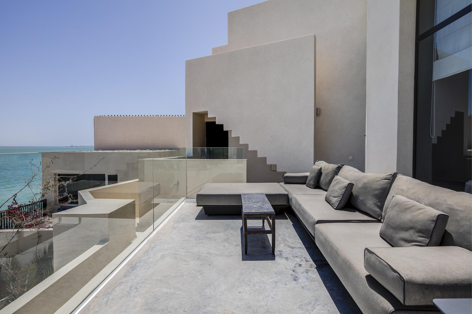Le Palais Rhoul Dakhla | hotel spa | Salon exterieur face à la chambre