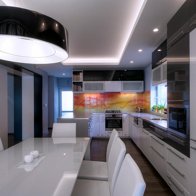 nasvietená abstraktná fotografia obkladu nad pracovnou plochou kuchyne je farebnou dominantou inak čierno-bieleho priestoru kuchyne rodinného domu