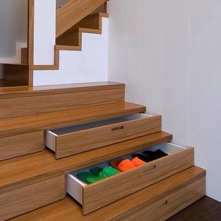 detail riešenia využitia priestoru v schodoch