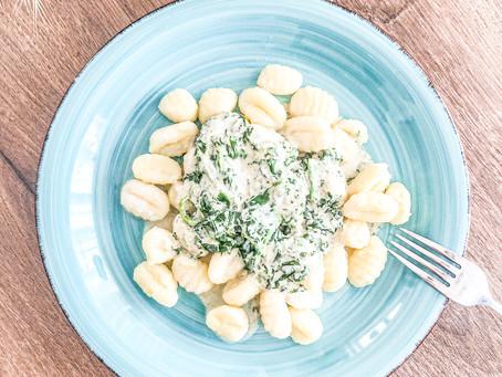 Gnocchi mit Spinat-Meerrettich-Soße