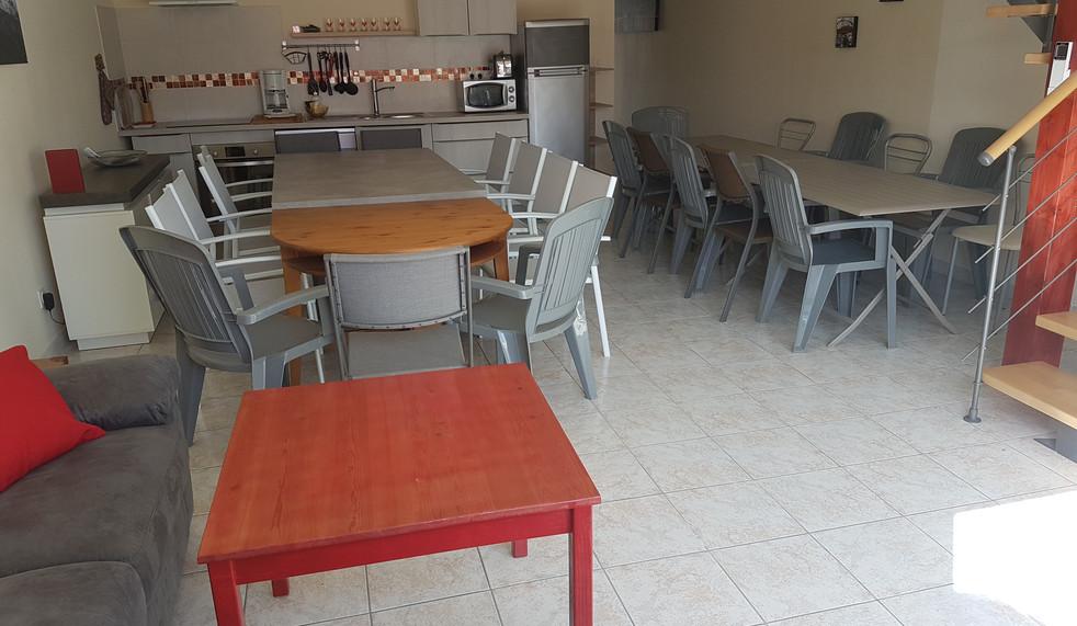 salle commune 24 personnes appt n°3 (4).