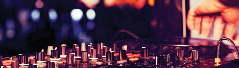 Peaks-Pro-DJ-Board-Slide.jpg