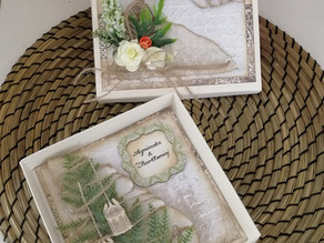 Elegant Green Leaf Wedding Day Card with a box.