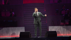 Bublé croons at Pinnacle Bank Arena