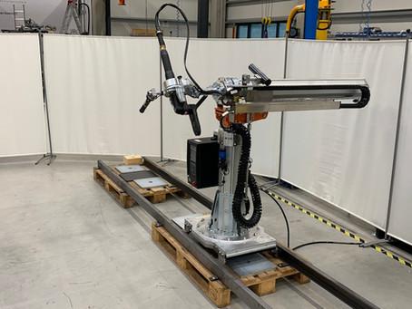 Hubachse ZH90 für die Aufnahme von Schraubtechnik und Schraubern in der Automobilindustrie