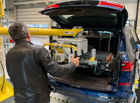 Manipulatoren in der Automobilindustrie / Manipulators in the automotive industry