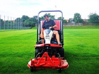 Lambo hat den Rasen aufs Beste für den heutigen Testspielkracher gegen Oberdürrbach vorbereitet!