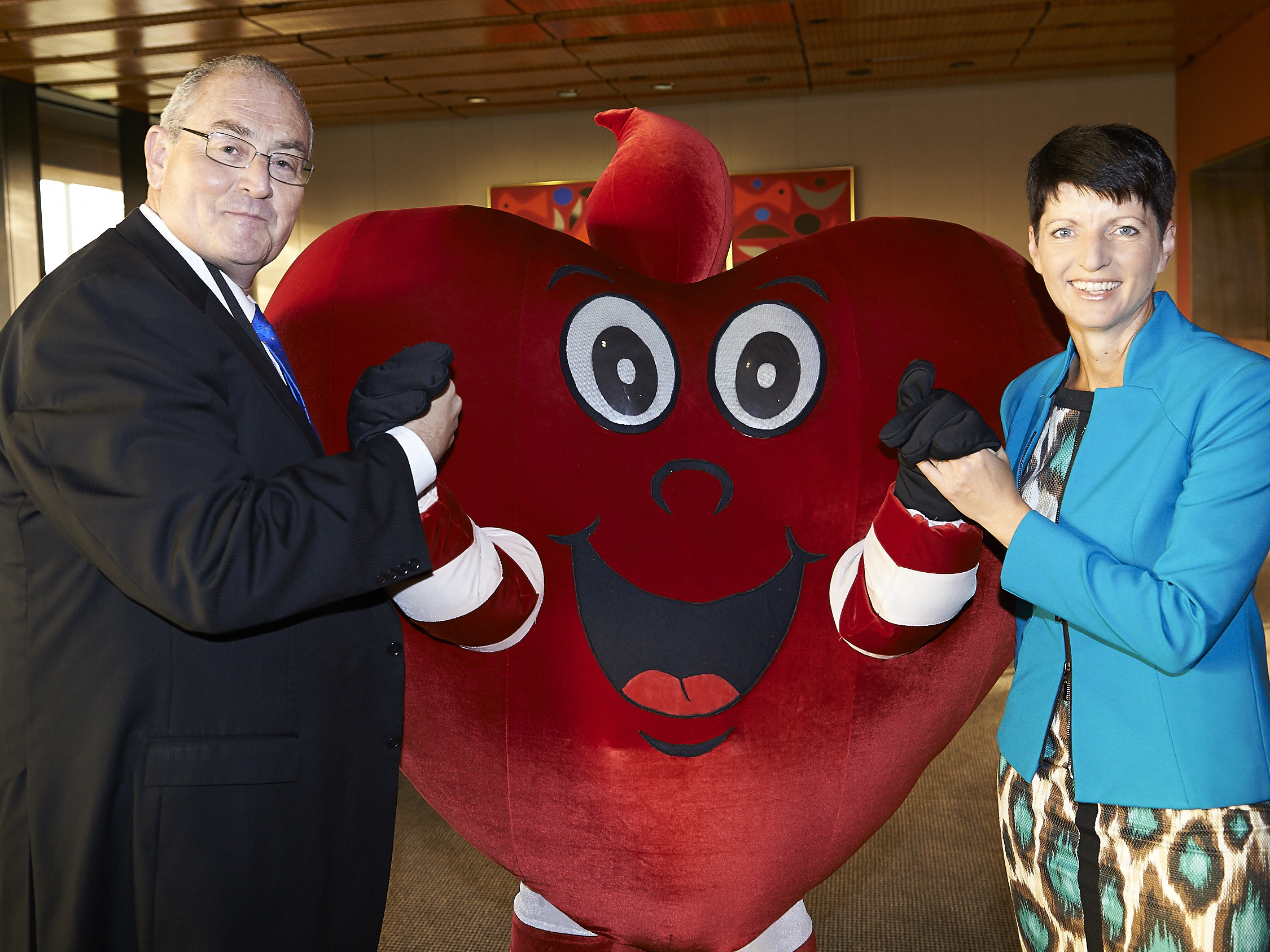170505 KW with Walt Secord at Heart Foundation Heart Week Breakfast