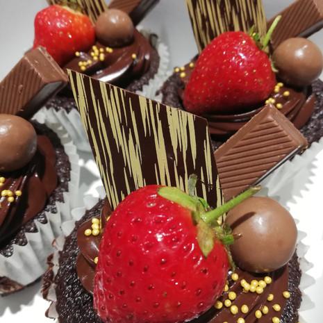 Twix and Malteser Cupcakes