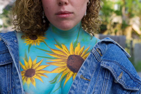 Body paint and photo by Charlotte Bravin