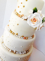 Champagn Bubbles Wedding Cake