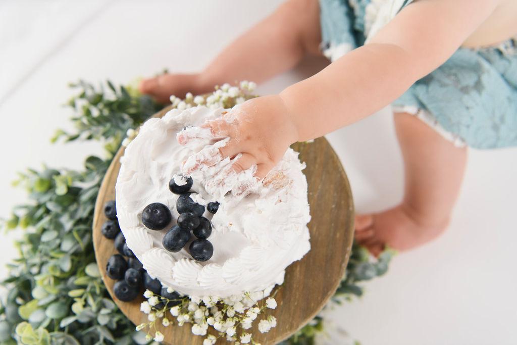 cake smash closeup