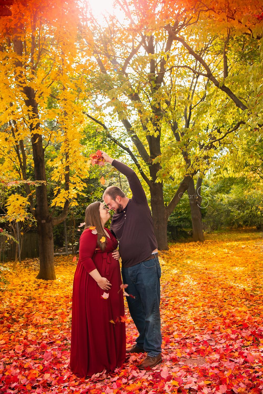 Michigan Fall maternity photo at Dow gardens