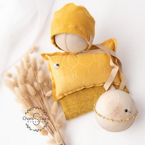 Honey bee yellow newborn photography set