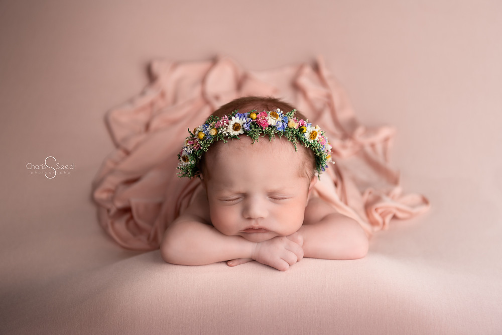 nEWBORN PICTURES WITH FLORAL CROWN