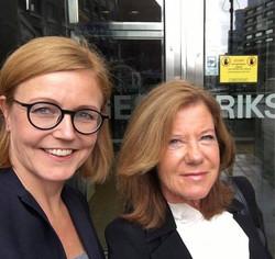 Elisabeth och Lena på möte