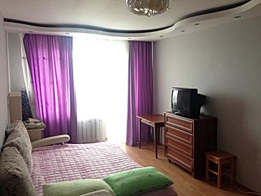 2-комнатная квартира посуточно, 1-4 человек от 2000/суткиЯкутск, Дзержинского 12