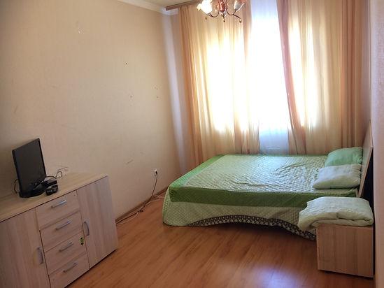 1-комнатная квартира посуточно, 1-2человек от 2000/суткиЯкутск, Лермонтова 60