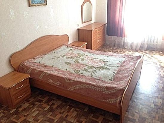 2-комнатная квартира посуточно, 1-4 человек от 2000/суткиЯкутск, Петра Алексеева 83/9