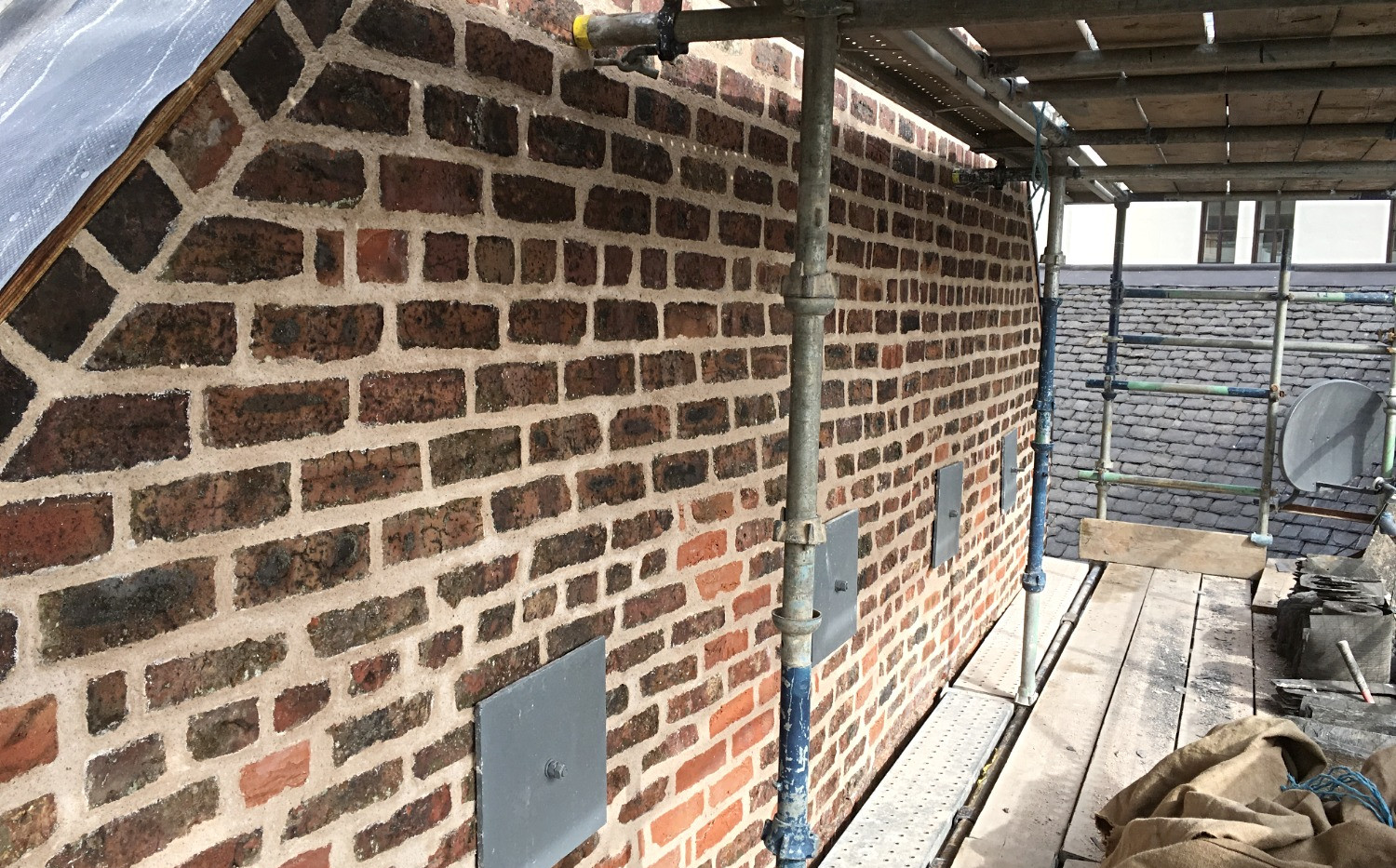 lime-pointing-brickwork-falkirk-1.jpg