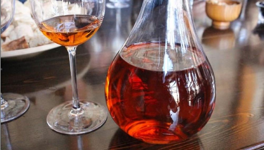 carafage-vin-nature-orange-de-macération.jpeg