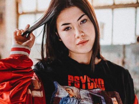 """Chi è Anna, la rapper di """"Bando"""" ai primi posti delle classifiche streaming"""
