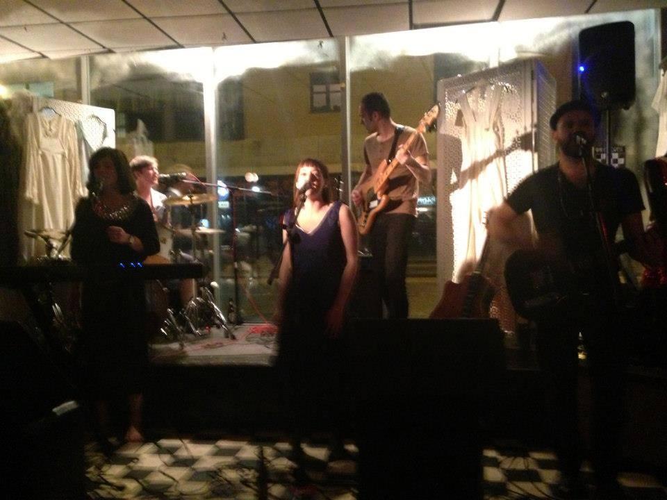 Live @ Paper Dress