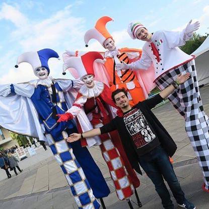 StiltsPRO colour clowns