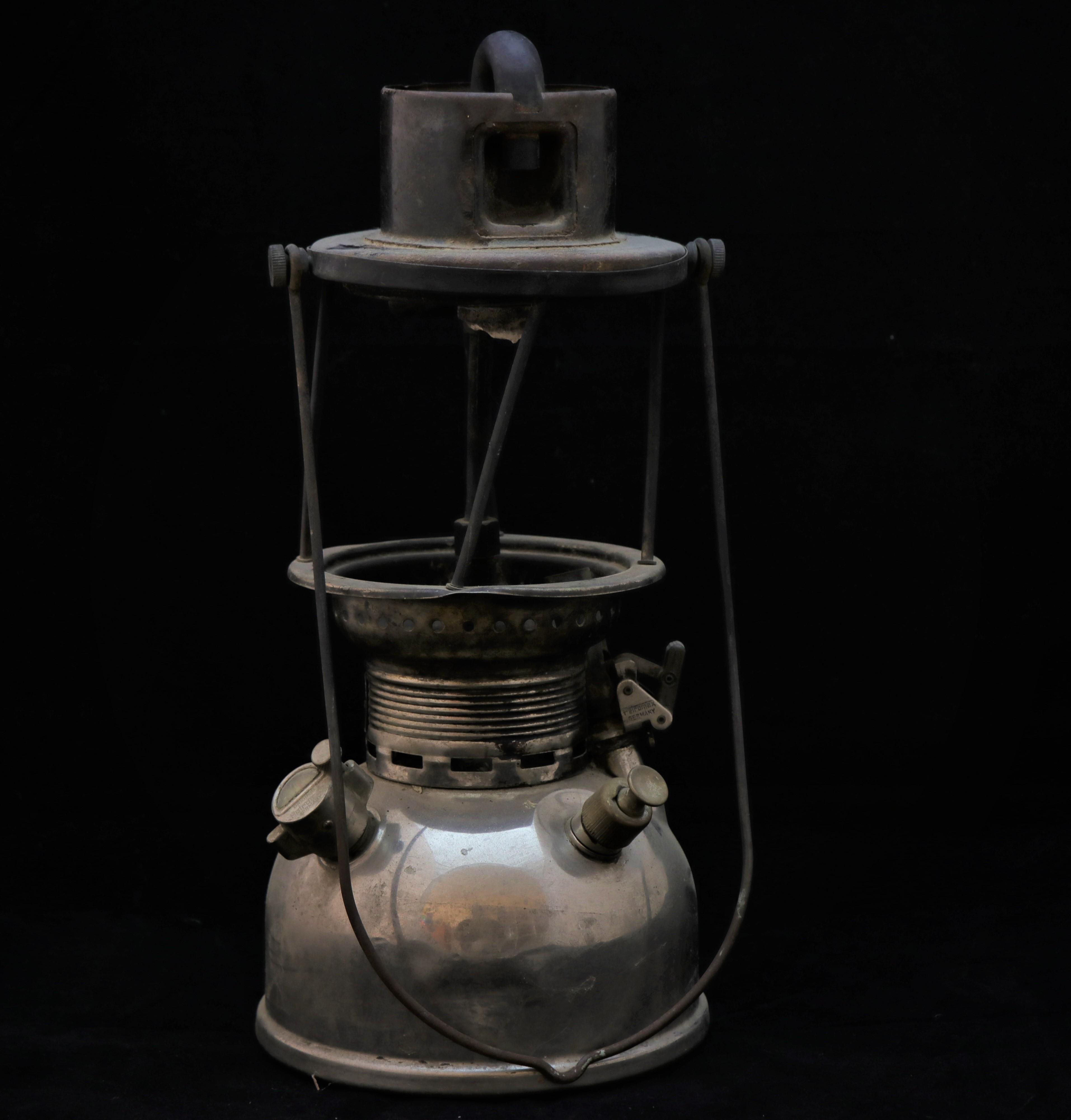 Lámpara a parafina