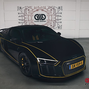 Audi R8 V10 - Yellow Striping