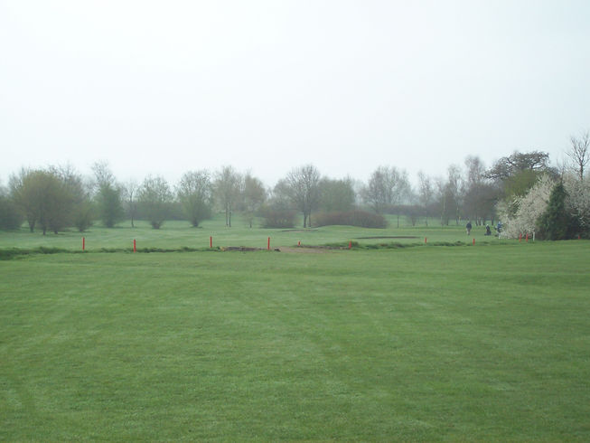 Hole 4 approach to Green.JPG