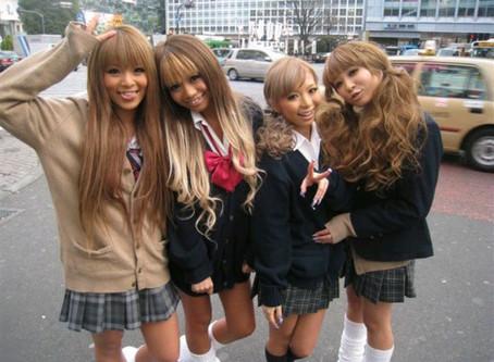 Может поэтому японцы любят красить волосы?