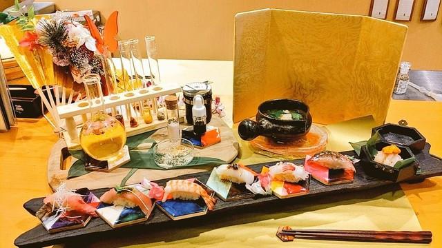 суши сделанные японским поваром