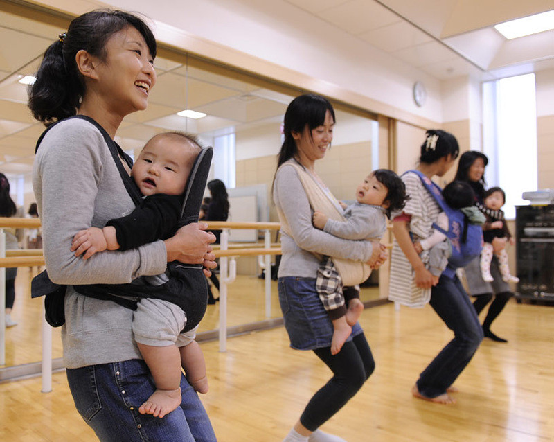 танцы с младенцами