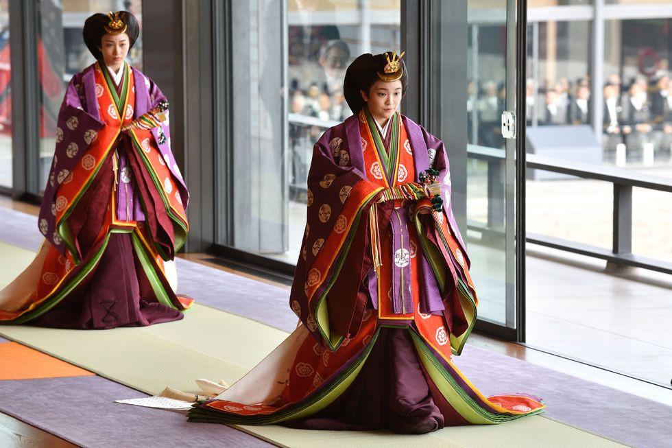 свадьба дочери императора, прически членов членов императорской семьи