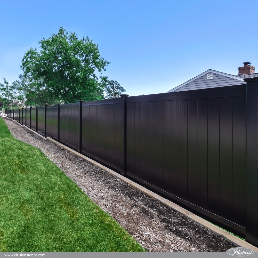 Black-PVC-Vinyl-Privacy-Fence