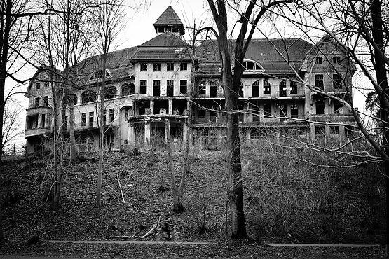 The_Haunted_House_Das_Geisterhaus_(53600