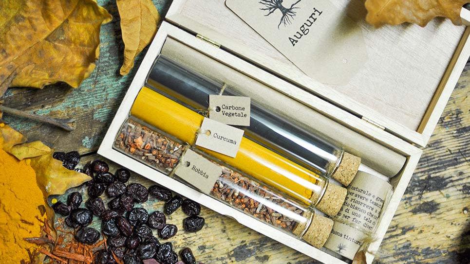 Cofanetto Tinture Naturali Radice di Robbia - Curcuma - Carbone Vegetale