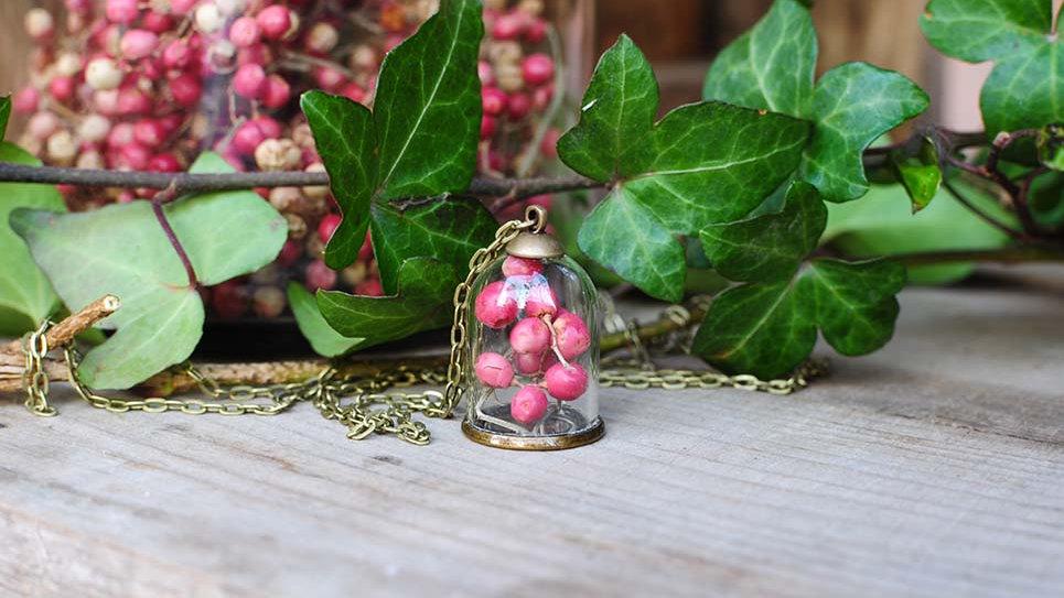 Collana campana mignon con Pepe rosa